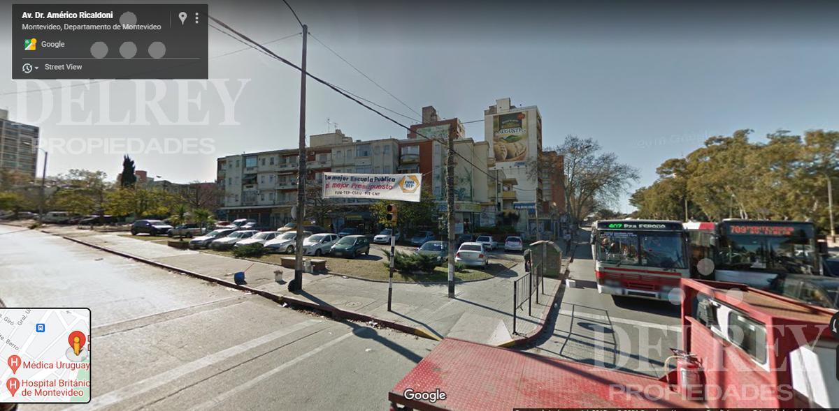 Foto Terreno en Venta en  La Blanqueada ,  Montevideo  Av Italia  y Albo