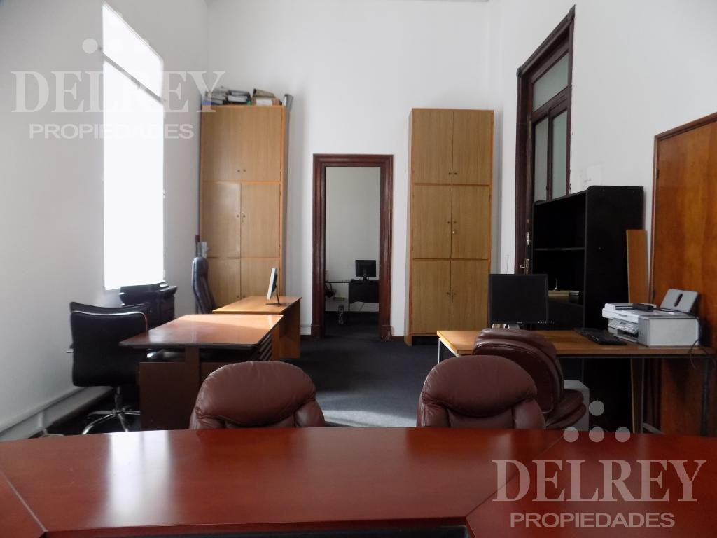 Foto Oficina en Alquiler en  Ciudad Vieja ,  Montevideo  Aprox Sarandì y Misiones