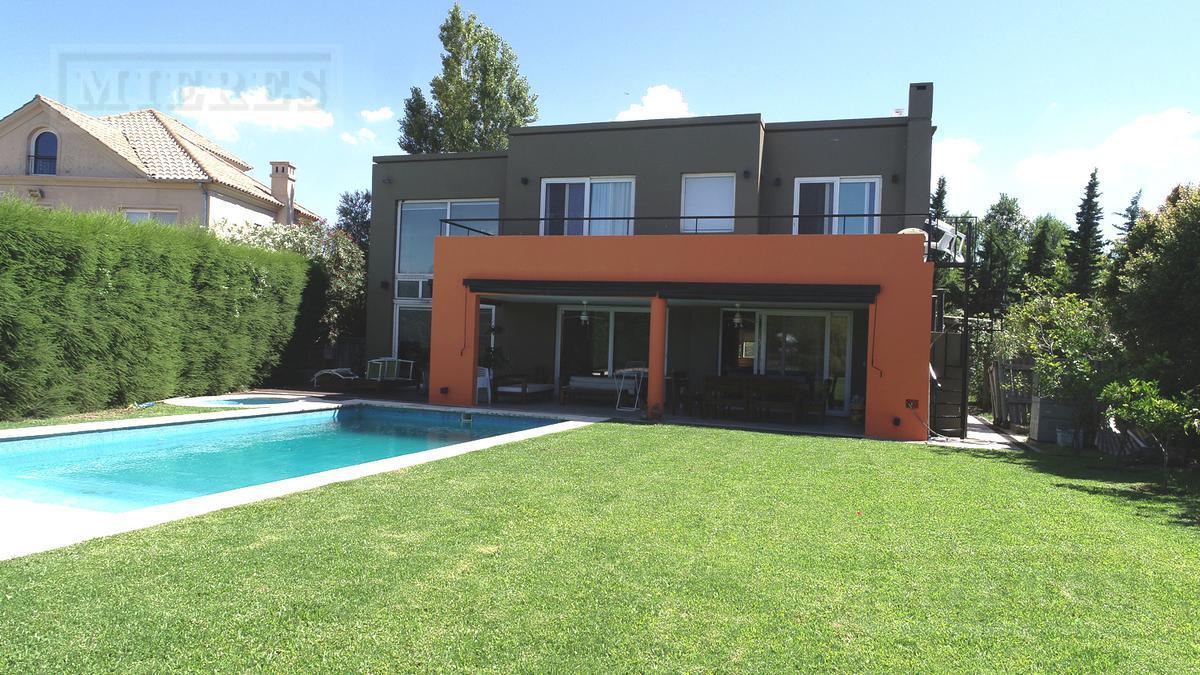 Casa en venta en La Laguna al agua