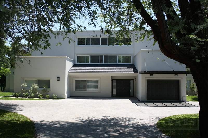 Mieres Propiedades - Casa de 550 mts. en Highland Park
