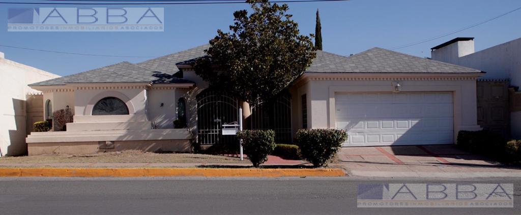 Foto Casa en Venta en  Chihuahua ,  Chihuahua  Casa venta en vialidad Importante Avenida California frente a Britania Club