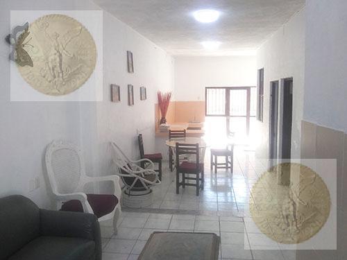 Foto Casa en Venta en  Tequisquiapan Centro,  Tequisquiapan  Casa con 4 cuartos con baño completo