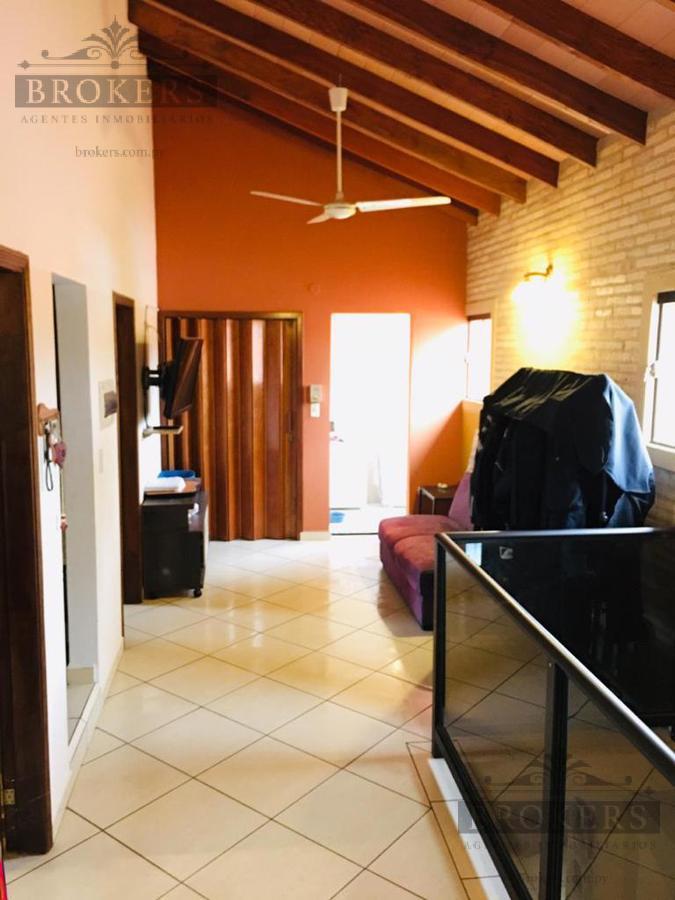Foto Casa en Venta en  Luque,  Luque  Vendo Casa De 4 Dormitorios Zona Jardin De Oro Luque