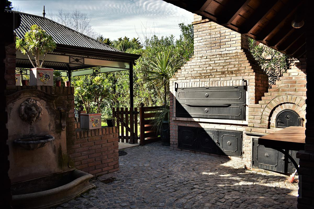 Casa de 470 mts en Mayling Club de Campo