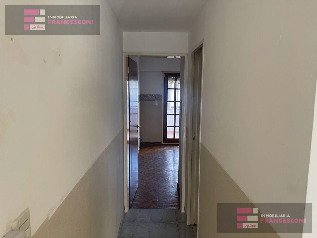Foto Departamento en Venta en  La Plata ,  G.B.A. Zona Sur  Av. 13 entre 43 y Plaza Paso