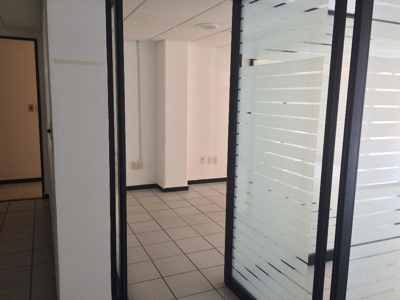 Foto Oficina en Renta en  El Mirador Campestre,  León  Oficinas en renta en zona norte León frente a Plaza Mayor