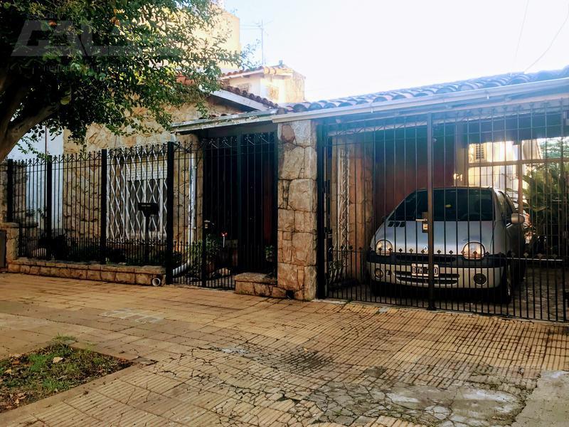 Foto Casa en Venta en  Castelar Norte,  Castelar  Pergamino al 500