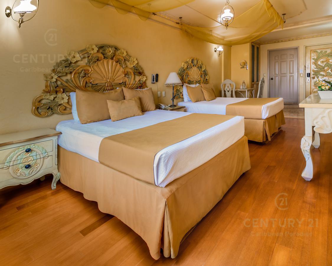 Encinal Hotel for Venta scene image 4