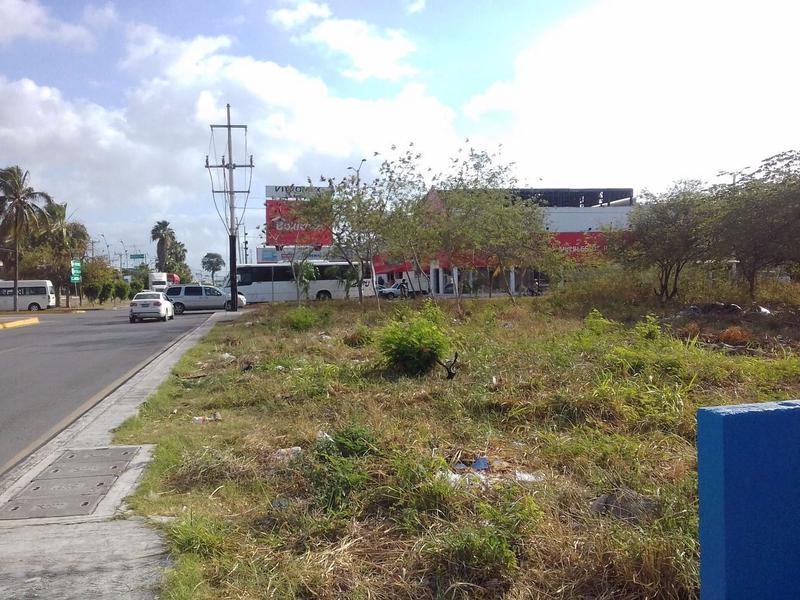 Foto Terreno en Venta en  Playa del Carmen,  Solidaridad   TERRENO AV. 45 CENTRO PLAYA DEL CARMEN P1912