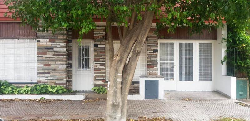 Foto Casa en Venta en  Banfield Oeste,  Banfield  Payro 1418