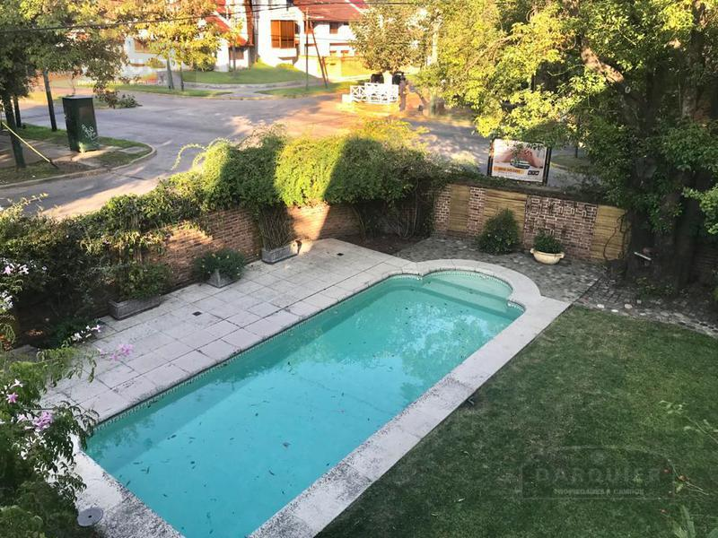 Foto Casa en Venta en  Adrogue,  Almirante Brown  AMENEDO 1391