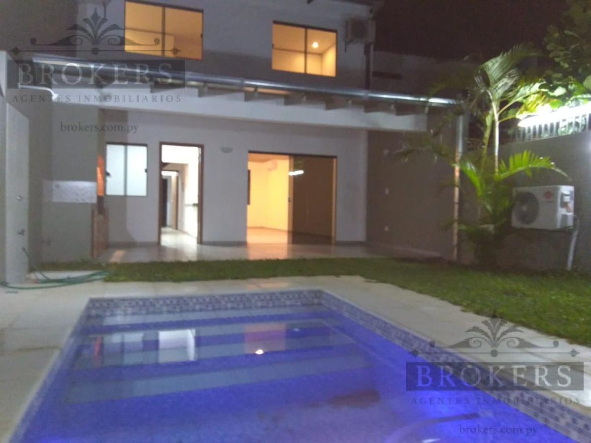 Foto Casa en Venta en  Luque,  Luque  Vendo Dúplex A Estrenar Con Piscina En Villa Policial,Luque!!!