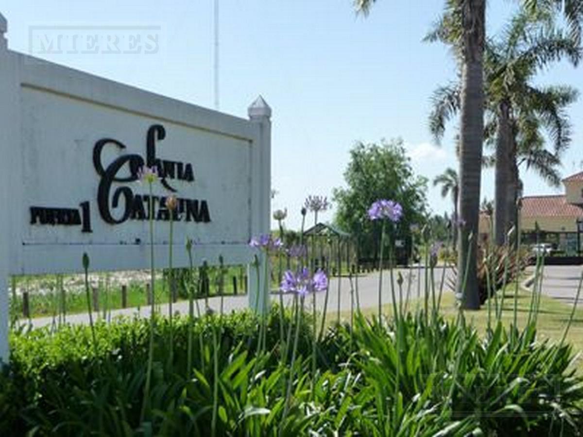 Hermosa casa en dos plantas - Santa Catalina