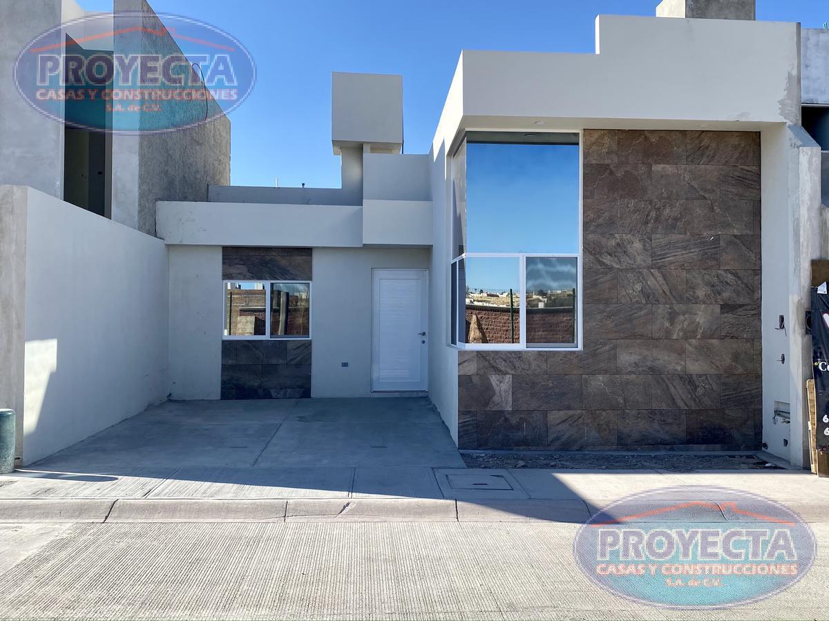 Foto Casa en Venta en  Lomas del Sahuatoba,  Durango  COMODA CASA DE UN NIVEL EN FRAC PRIVADO POR ALBERCA 450
