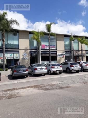 Foto Oficina en Venta en  Fraccionamiento El Campanario,  Querétaro  Oportunidad!!! Venta de Local u Oficina, en Plaza 99 Campanario
