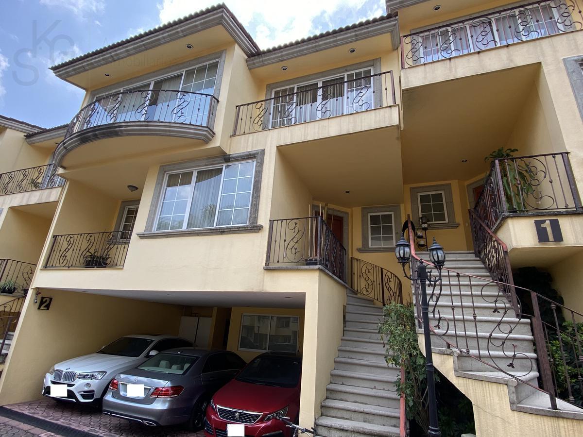 Foto Casa en Venta en  Hacienda de las Palmas,  Huixquilucan  SKG Asesores Inmobiliarios vende Casa  en doble cerrada en  Interlomas