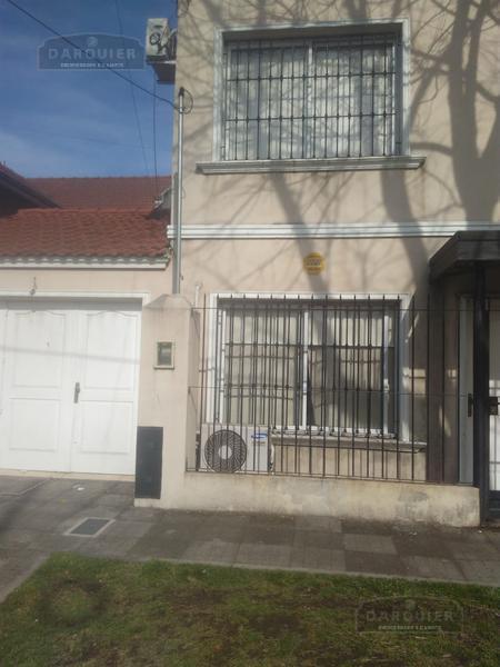 Foto Casa en Venta en  Adrogue,  Almirante Brown  Jorge 408 Duplex N° 1