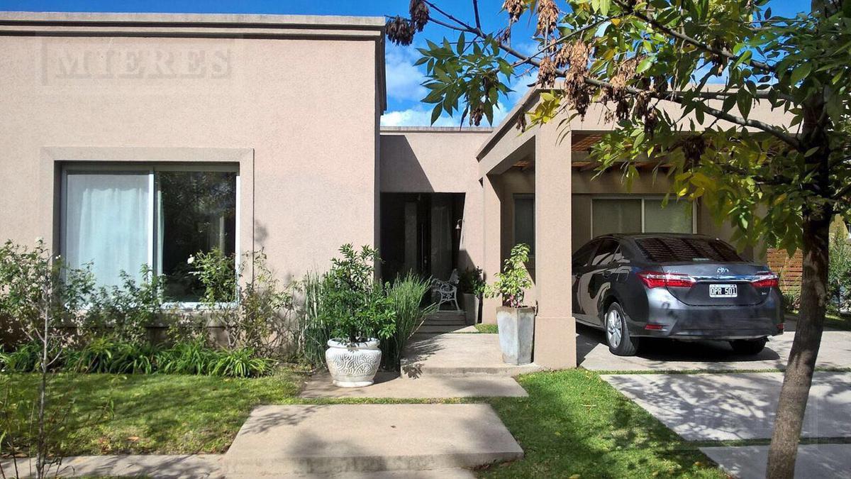 Lindísima casa en venta en La Comarca (Apto Crédito)