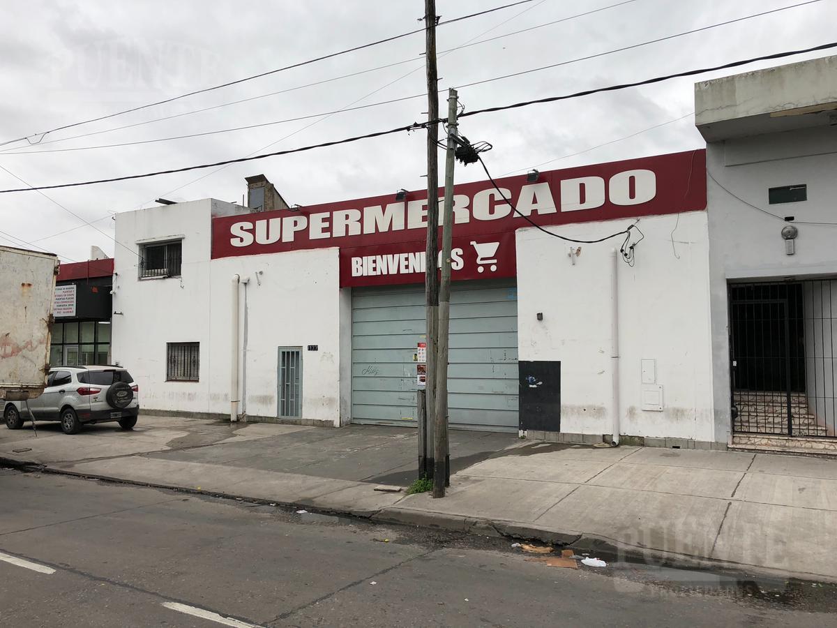 Foto Local en Venta en  Lanús,  Lanús  Remedios de Escalada de San Martin 1133