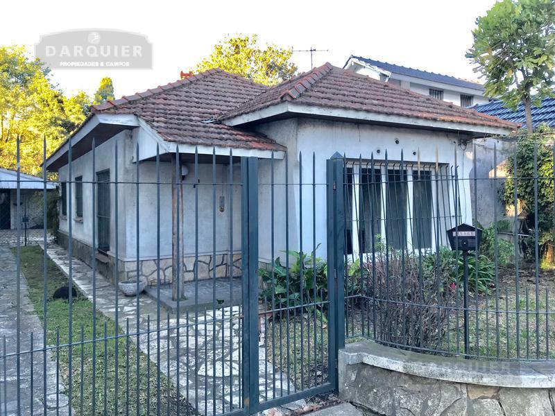Foto Casa en Alquiler en  Adrogue,  Almirante Brown  CASTELLI 901