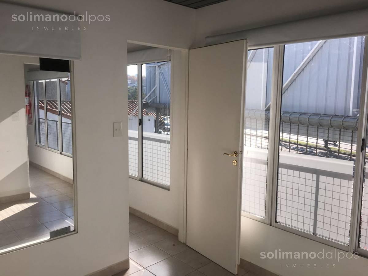 Foto Local en Venta en  Mart.-Santa Fe/Fleming,  Martinez  Av Santa Fe al 2500