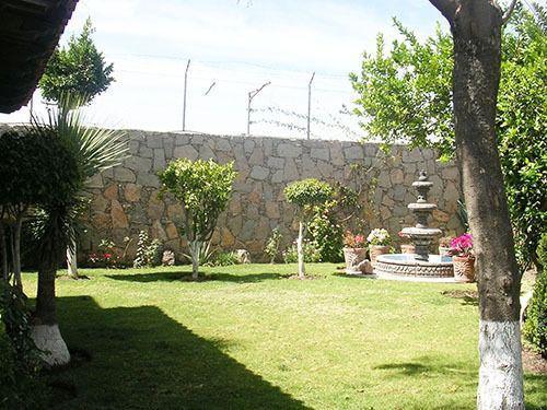 Foto Casa en Venta en  Vista Hermosa,  Tequisquiapan  Amplía con jardín y alberquita