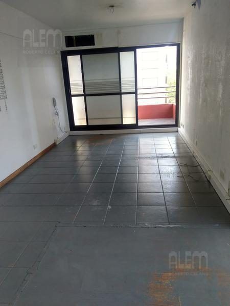 Foto Oficina en Alquiler en  Lomas de Zamora Oeste,  Lomas De Zamora  loria al 200