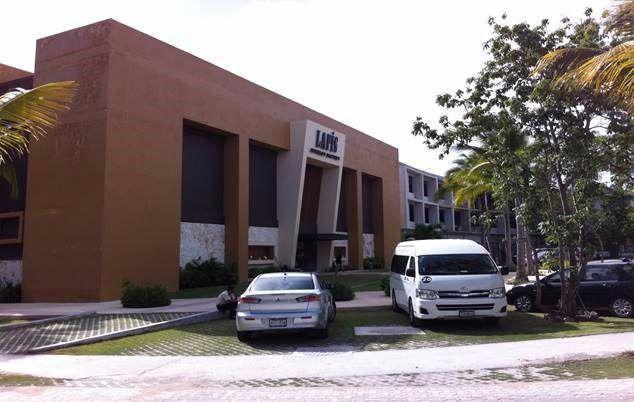 Foto Local en Venta en  Solidaridad ,  Quintana Roo  Local en Playacar generando 132,000.00 USD Anuales