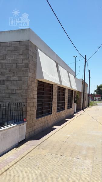 Foto Casa en Venta en  La Plata,  La Plata  Diag 74  Esq 30