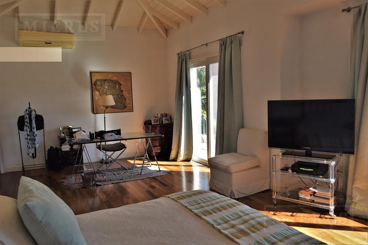 Casa de 461 mts en Tortugas c.c.