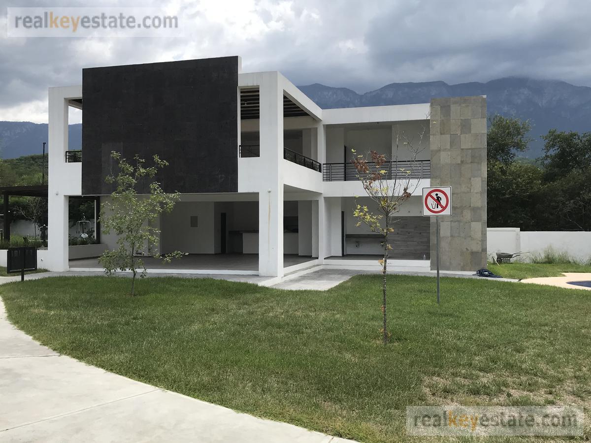 Foto Terreno en Venta en  Santiago ,  Nuevo León  Terreno en venta en Residencial Los Nogales, Santiago, N.L.