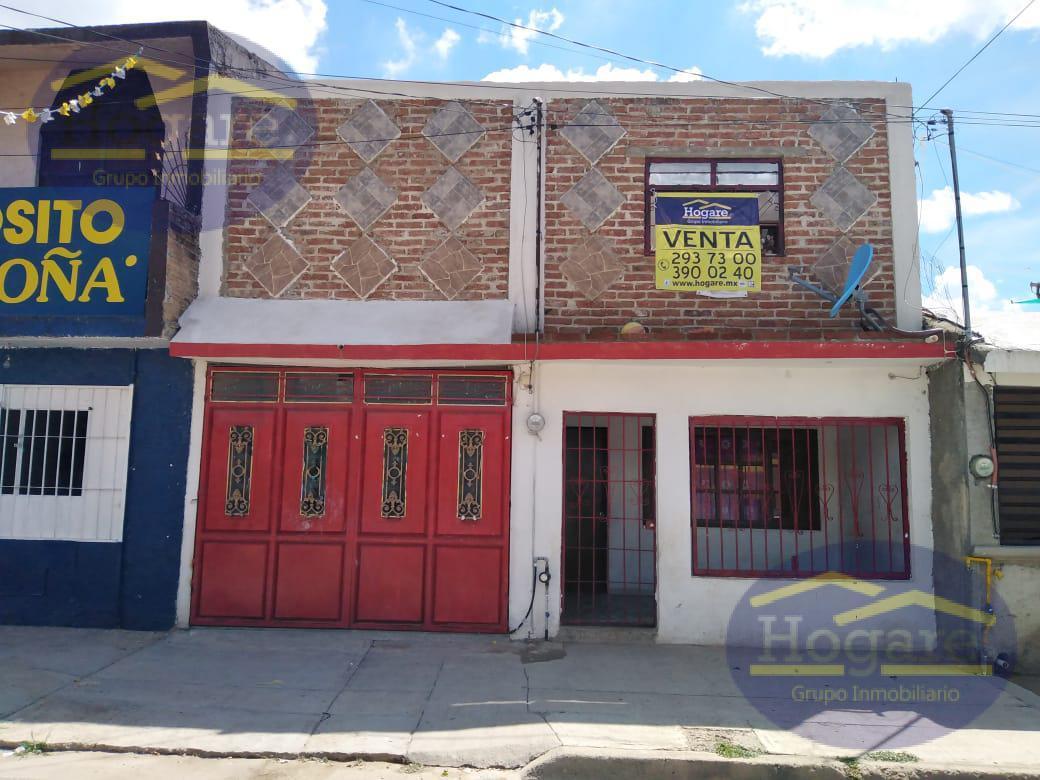 Casa en Venta de 4 Recámaras en Colonia 10 de Mayo, Zona Oriente de León, Gto.
