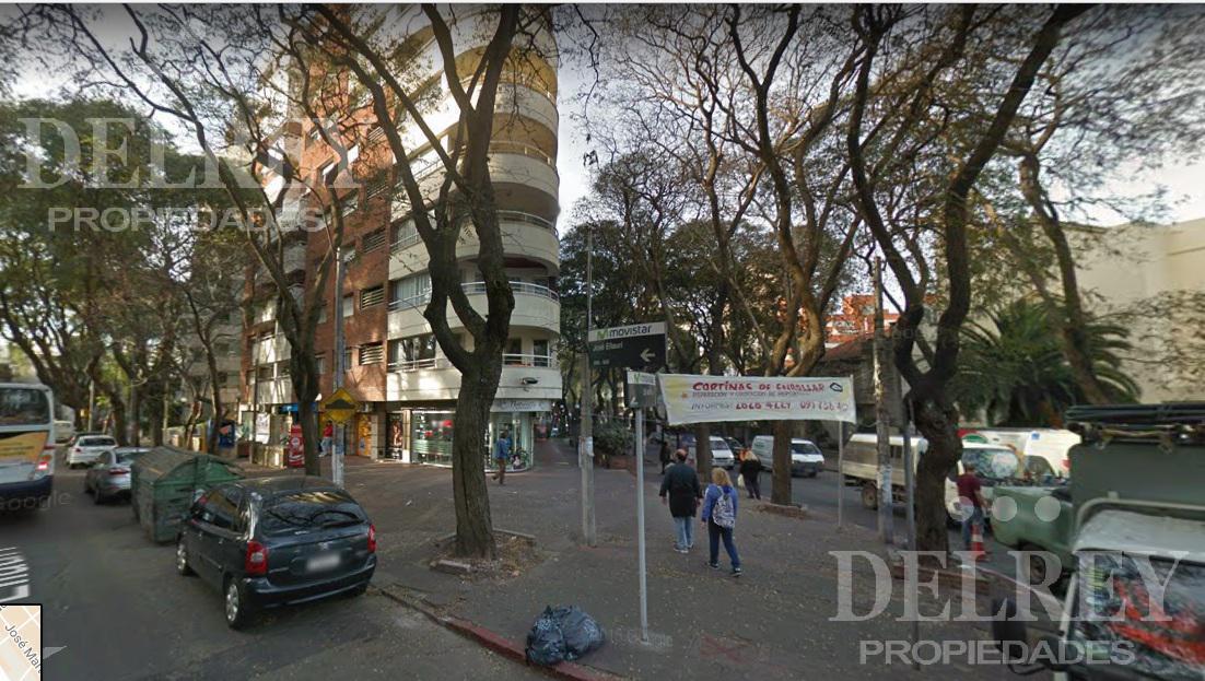 Foto Local en Alquiler en  Pocitos ,  Montevideo  Bvar España y Ellauri Aprox