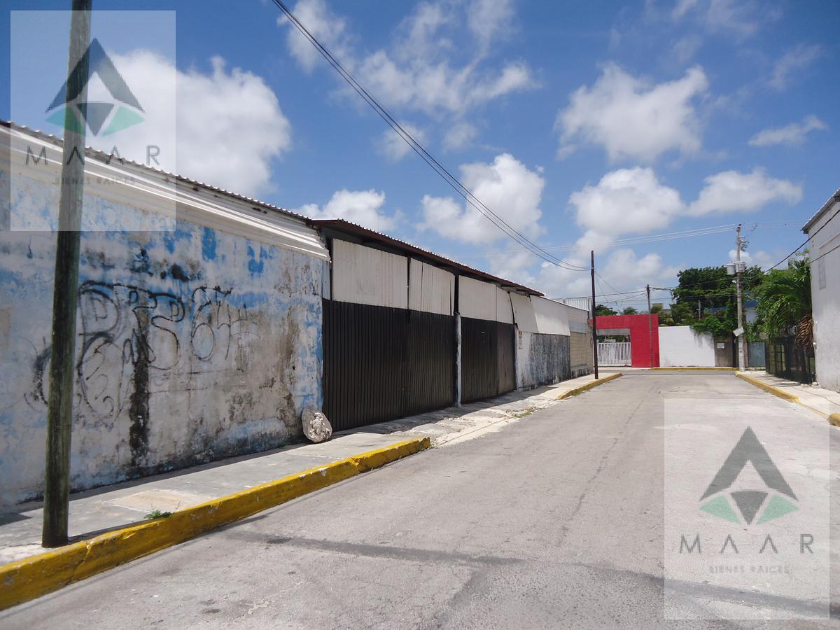 Foto Bodega Industrial en Renta en  Supermanzana 64,  Cancún  Se Renta Bodega  en Cancún de 189m2 en la  SM 64