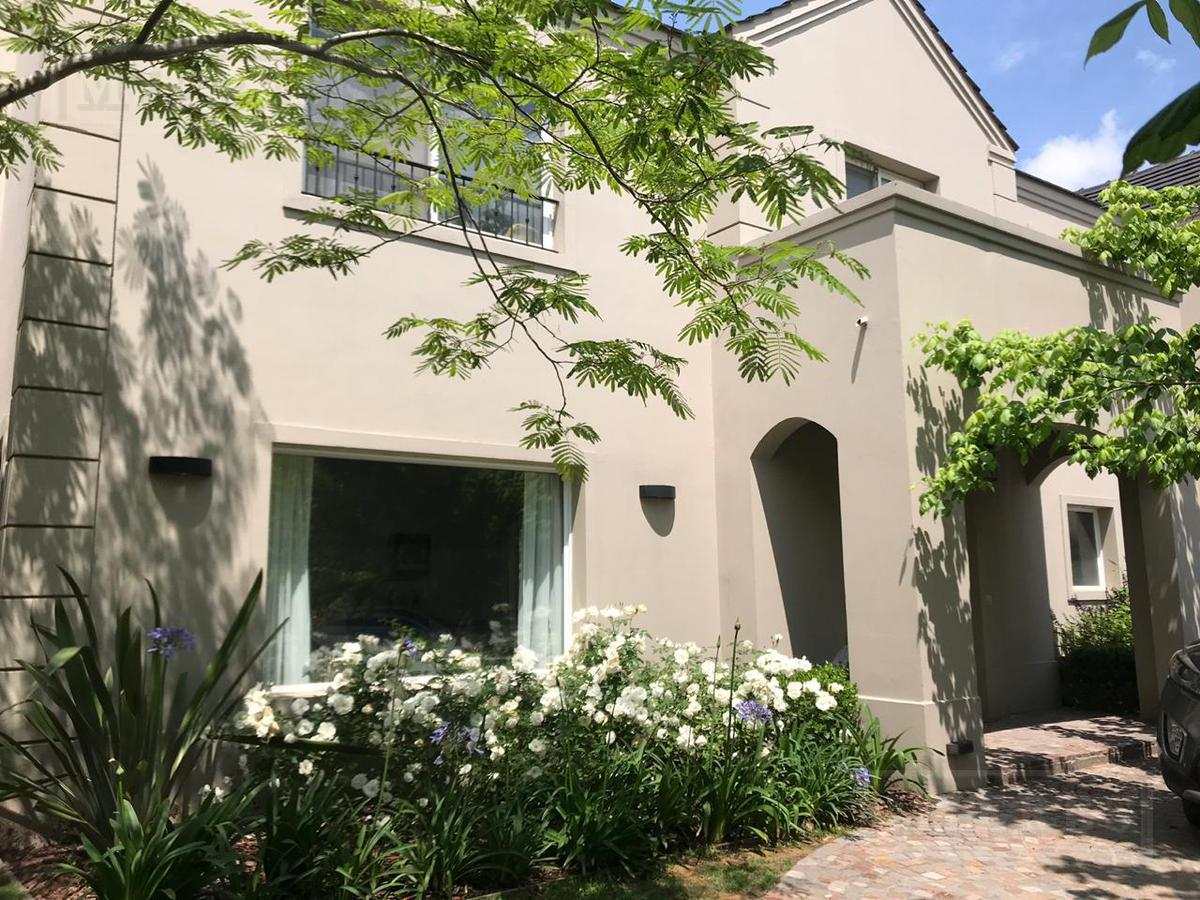 Impecable Casa en venta Talar Del Lago II