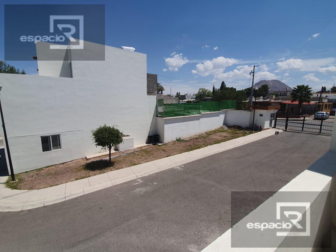 Foto Casa en Venta en  Zarco,  Chihuahua  ULTIMAS CASAS DISPONIBLES EN VENTA EN COL ZARCO EN FRACCIONAMIENTO PRIVADO
