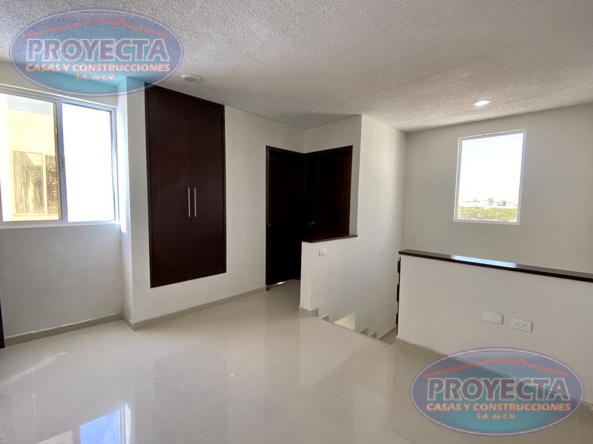 Foto Casa en Venta en  San Daniel,  Durango  CASA CON 3 RECAMARAS Y 3 BAÑOS COMPLETOS  POR WALMART FCO VILLA
