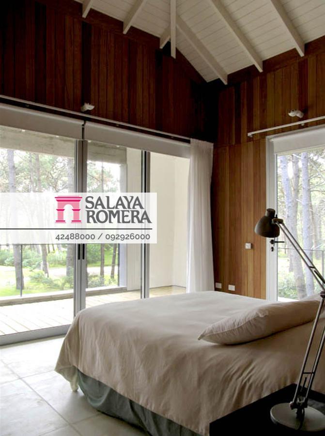 Foto Casa en Alquiler temporario en  Manantiales ,  Maldonado  Casa en Manantiales Barrio Laguna Blanca