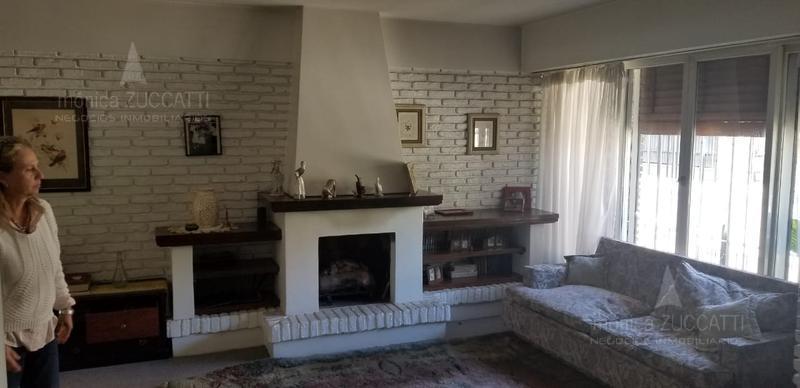 Foto Casa en Venta en  Banfield Oeste,  Banfield  Dr. Osvaldo Rodriguez 75