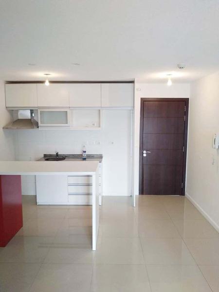 Foto Apartamento en Alquiler en  Centro (Montevideo),  Montevideo  MAGALLANES 1100