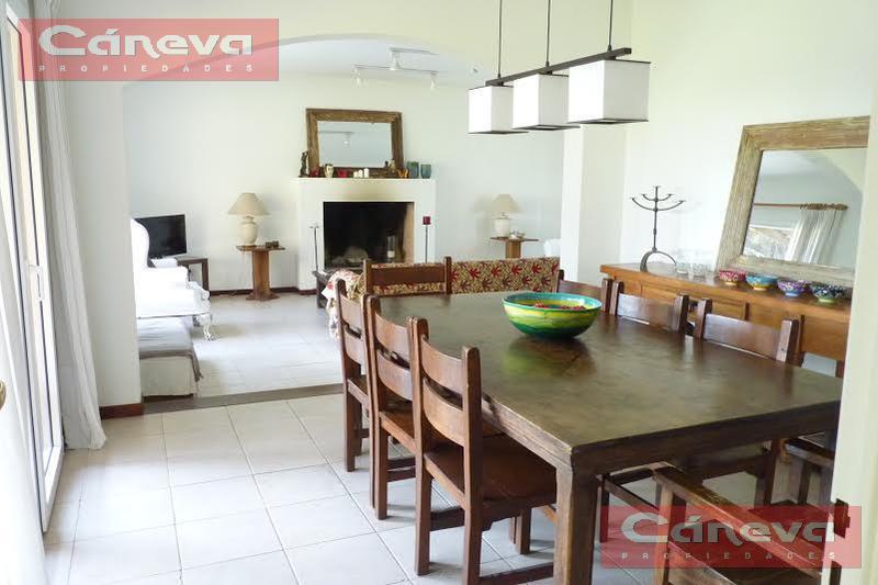Foto Casa en Alquiler | Alquiler temporario en  Galapagos,  Countries/B.Cerrado (Pilar)  Galapagos,   LINDISIMA CASA CON 3 DORMITORIOS MAS DEPENDENCIA, DESDE EL 15 DE JUNIO AL 31 DE JULIO 2021