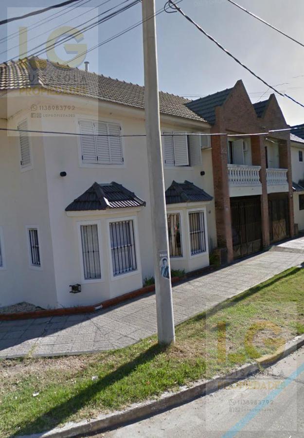 Foto PH en Venta en  Bernal,  Quilmes  Carabelas 156