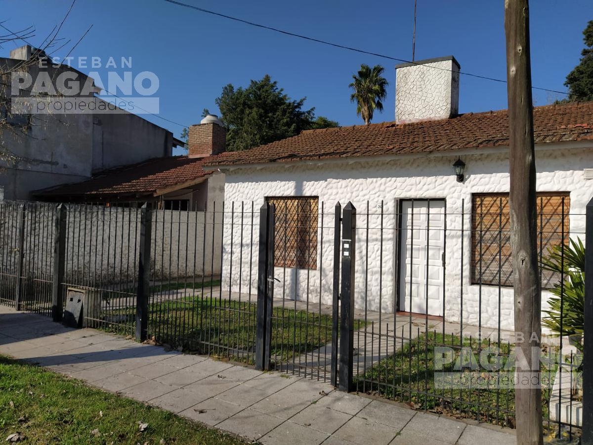Foto Casa en Venta en  Villa Elisa,  La Plata  423 e 21c y 21d