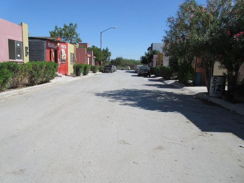 Foto Casa en Venta en  Fraccionamiento Campestre Bugambilias,  Reynosa  Viñedo Jura, Bugambilias