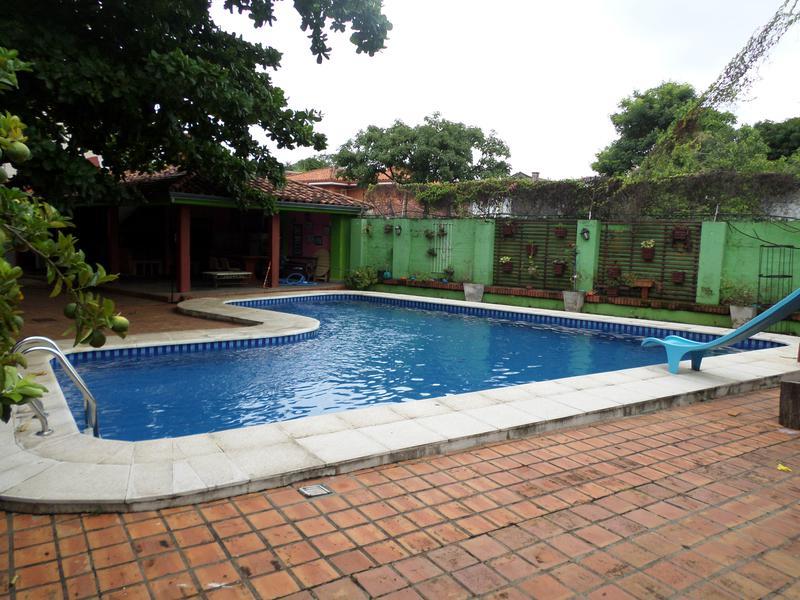 Foto Casa en Venta en  Mburucuya,  Santisima Trinidad  Vendo casa Quinta sup. 426 m2 en barrio Mburukuya
