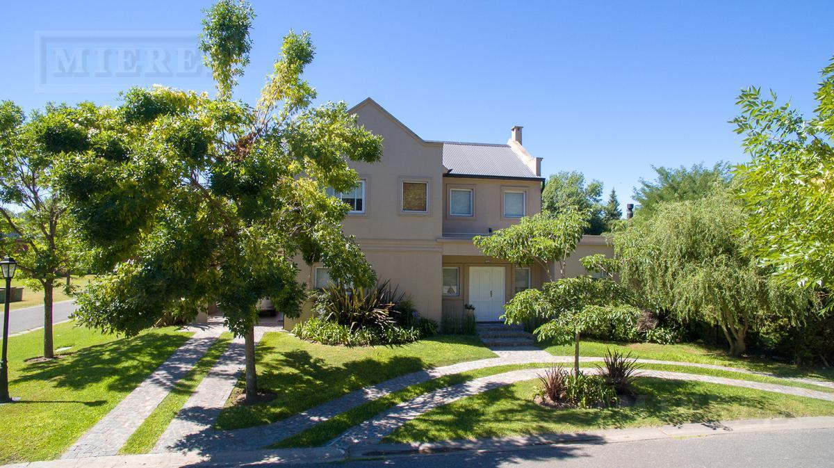 Casa en venta apto credito Barrio Palmer Cottage