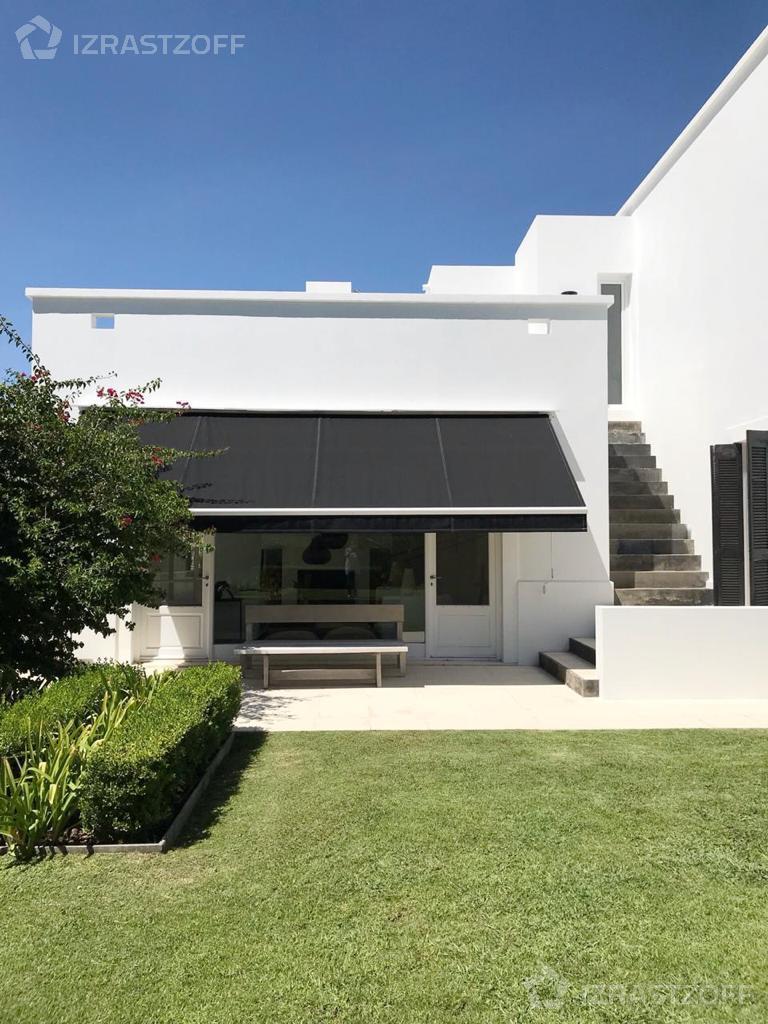 Casa--Santa Barbara-Santa Bárbara al 900