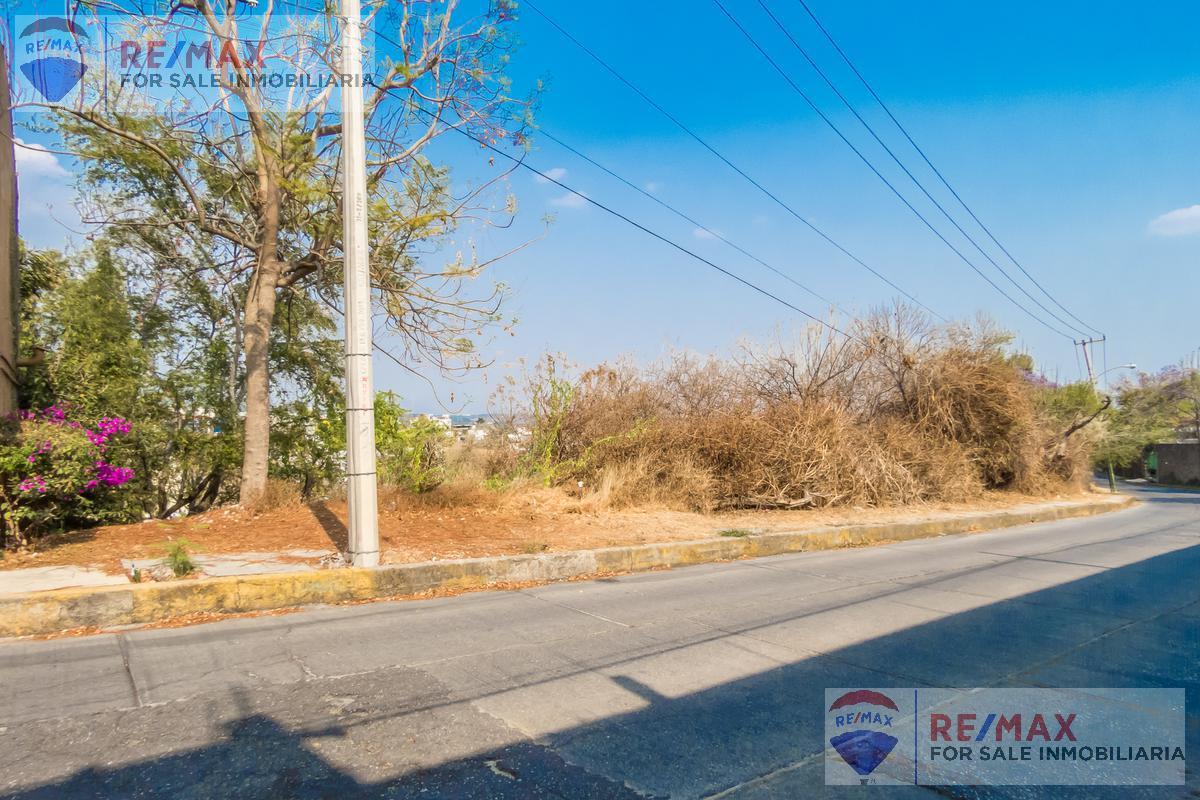 Foto Terreno en Venta en  Fraccionamiento Rancho Tetela,  Cuernavaca  Venta de terreno Col. Rancho Tétela, Cuernavaca…Clave 3489