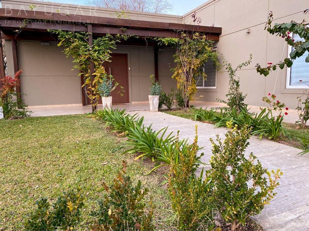 Foto Casa en Venta en  Estancias Del Pilar,  Countries/B.Cerrado (Pilar)  Venta - Gran propiedad en Estancias del Pilar - Bayugar Negocios Inmobiliarios