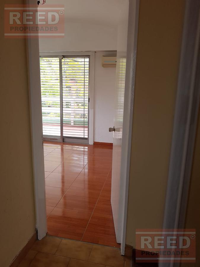 Foto Casa en Alquiler en  Las Lomas-Horqueta,  Las Lomas de San Isidro  Canalejas al 500